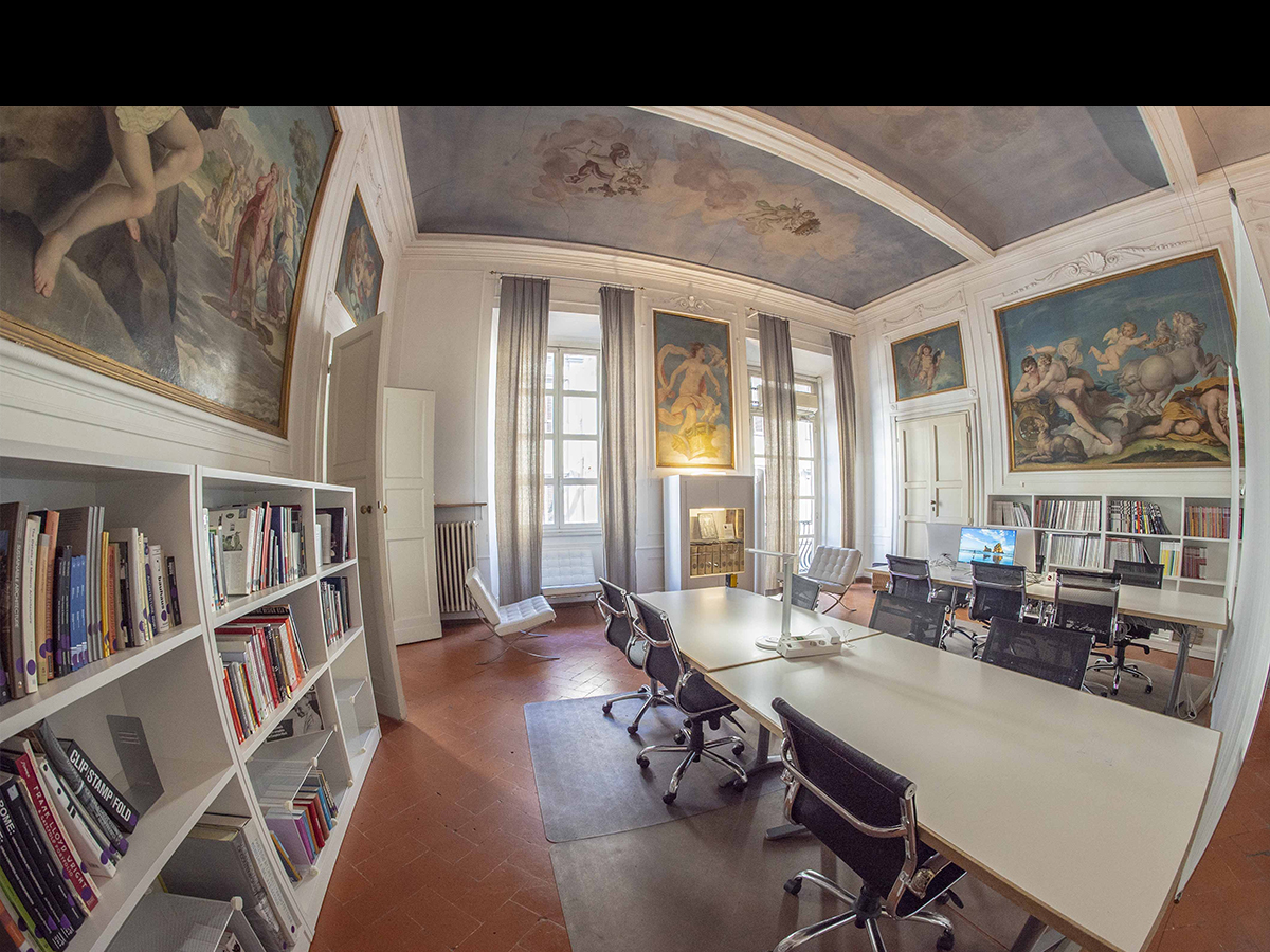 The Florence Institute of Design International : Student
